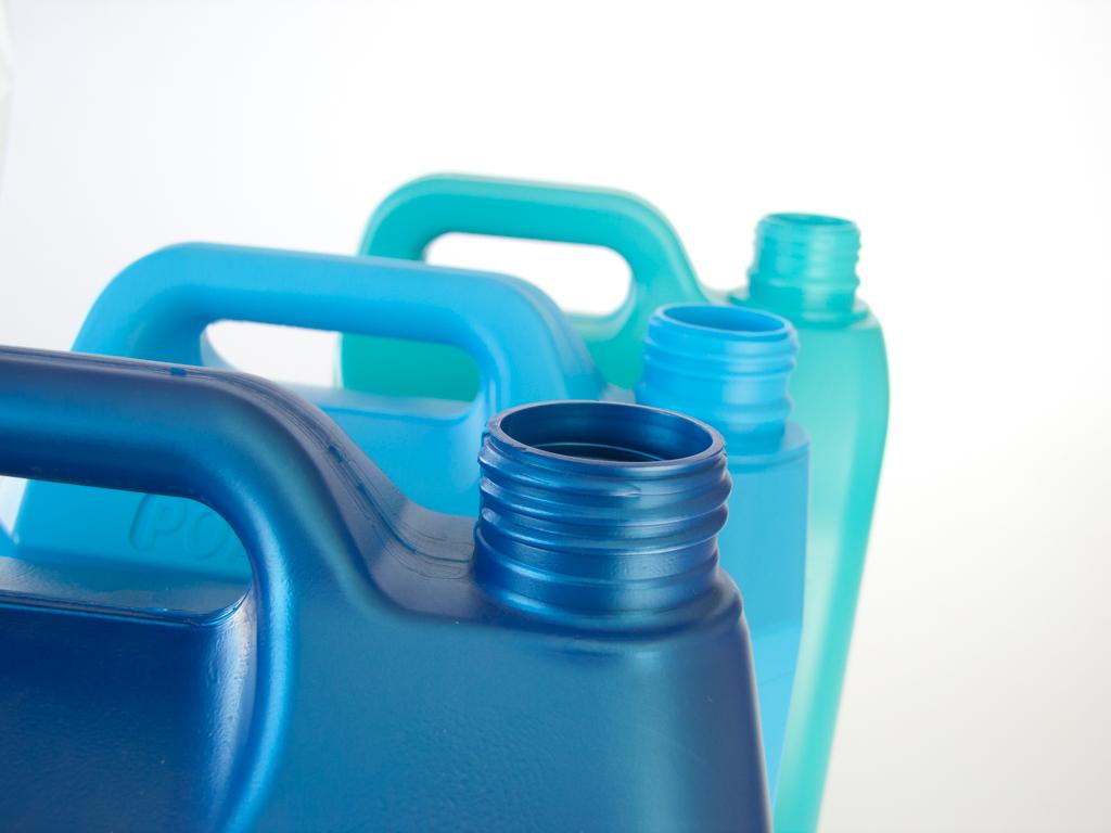 plasmo plastic bottles